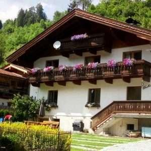 Haus Schneeberg im Sommer