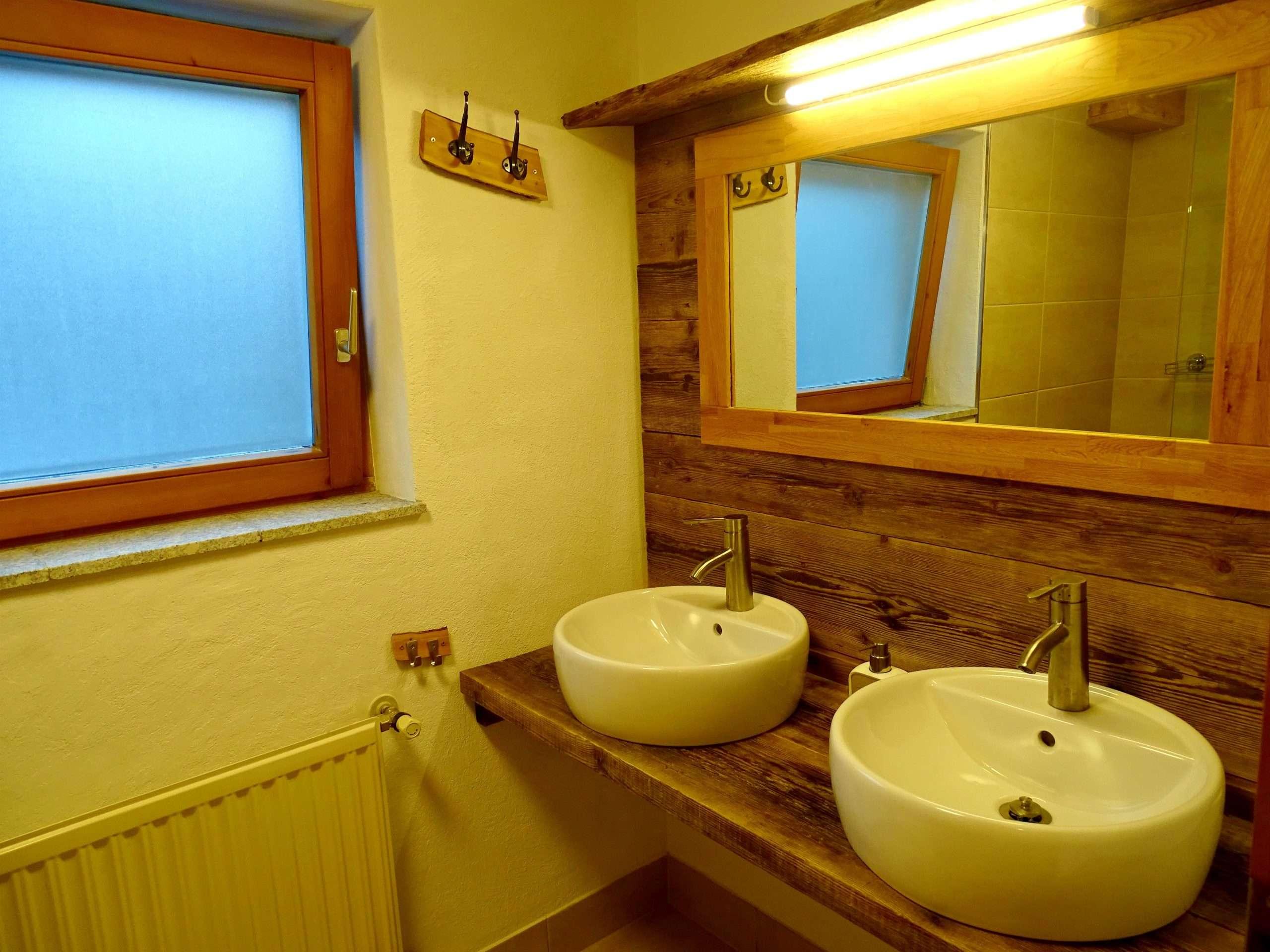 Aberg bathroom, Haus Schneeberg, Hochkoenig