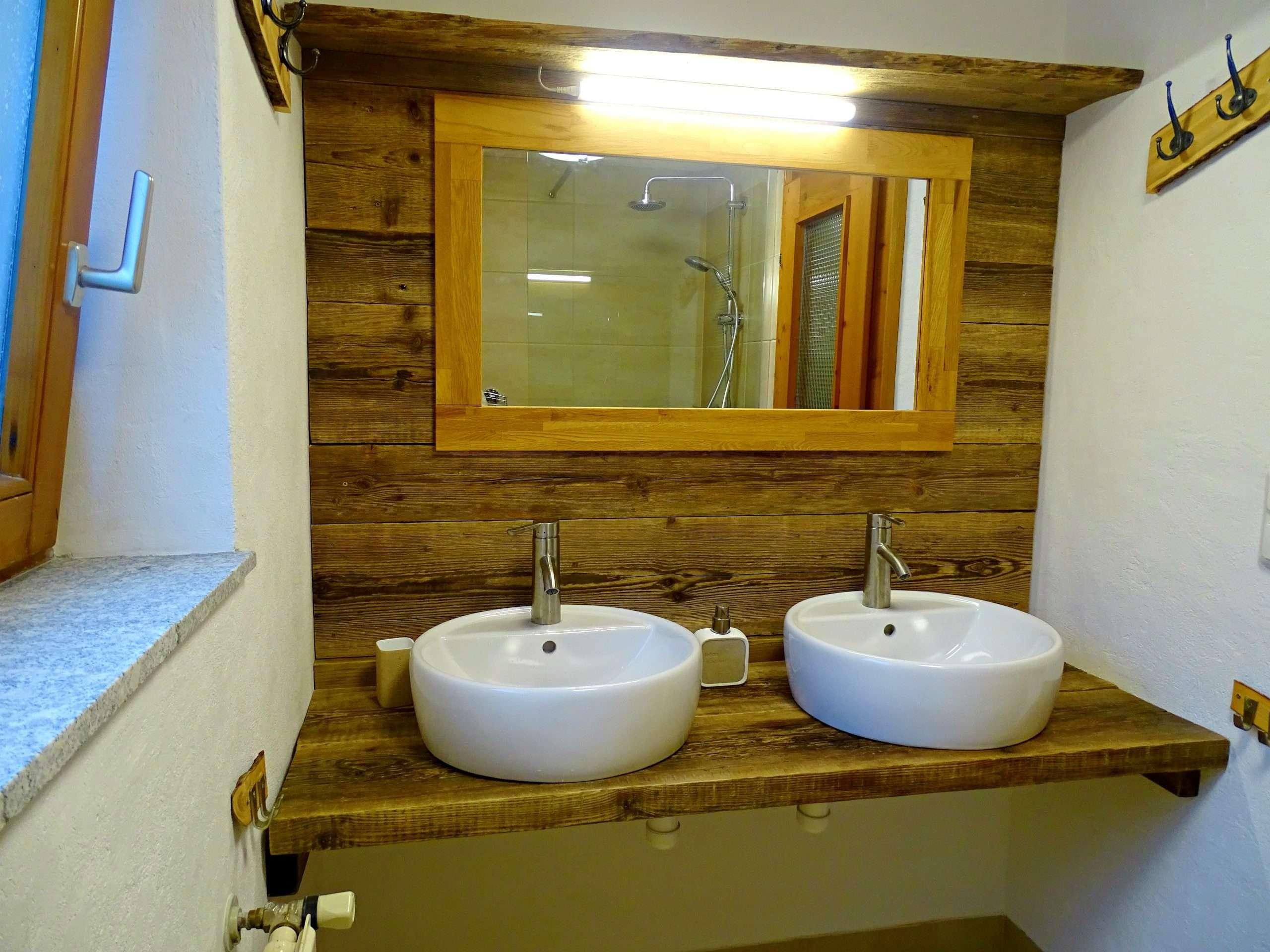 Aberg bathroom, Haus Schneeberg. Hochkoenig