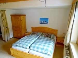 Obytná plocha - manželská postel, byt Aberg, Haus Schneeberg, Hochkoenig