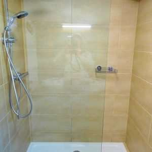 Dusche im Bad, Aberg Wohnung, Haus Schneeberg, Hochkoenig