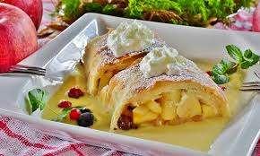 Apfelstrudel Top 10 Austrian Foods