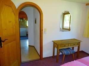 Hochkeil bedroom entrance Haus Schneeberg, Hochkoenig