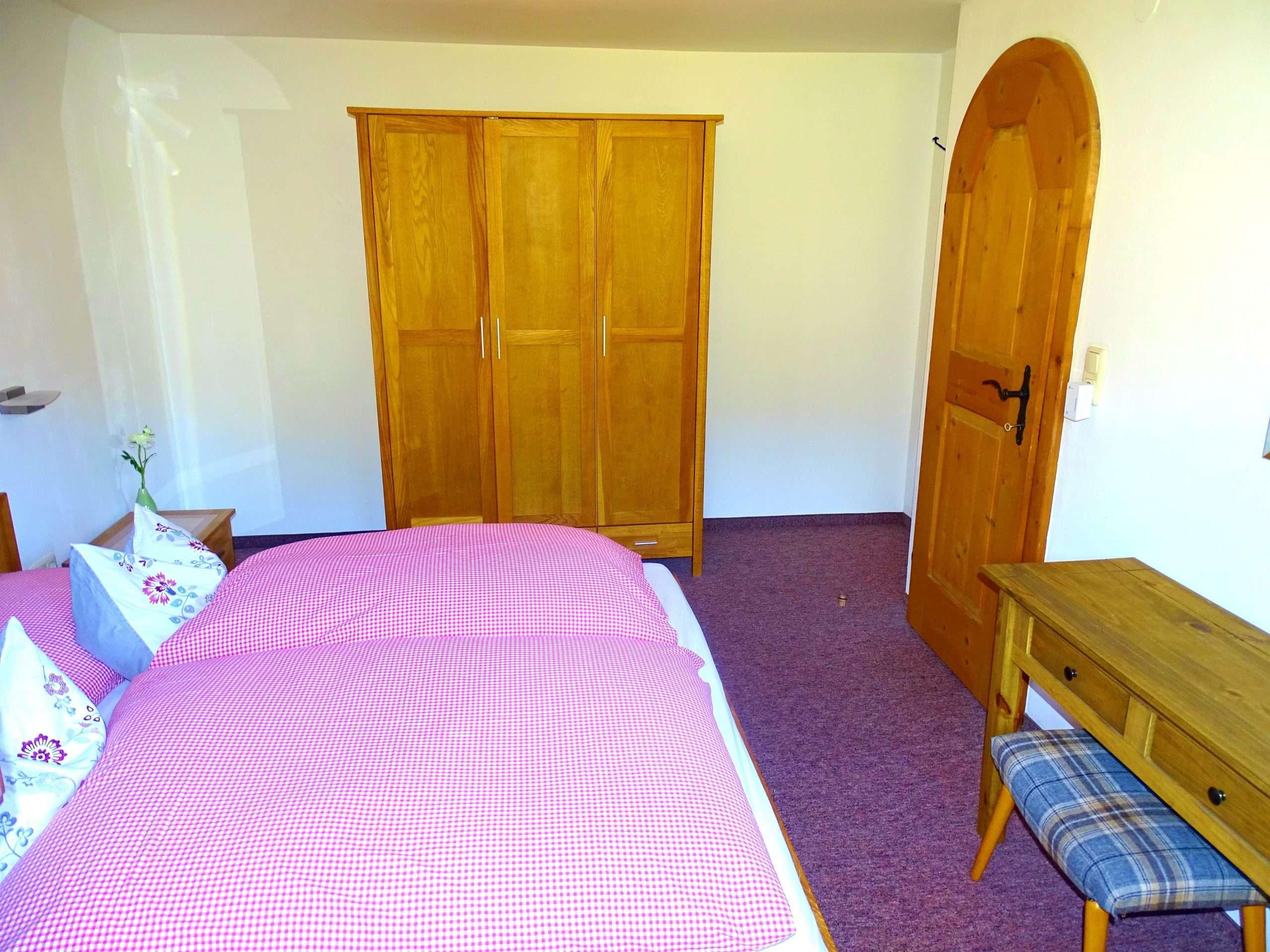 Hochkeil bedroom and wardrobe, Haus Schneeberg, Hochkoenig