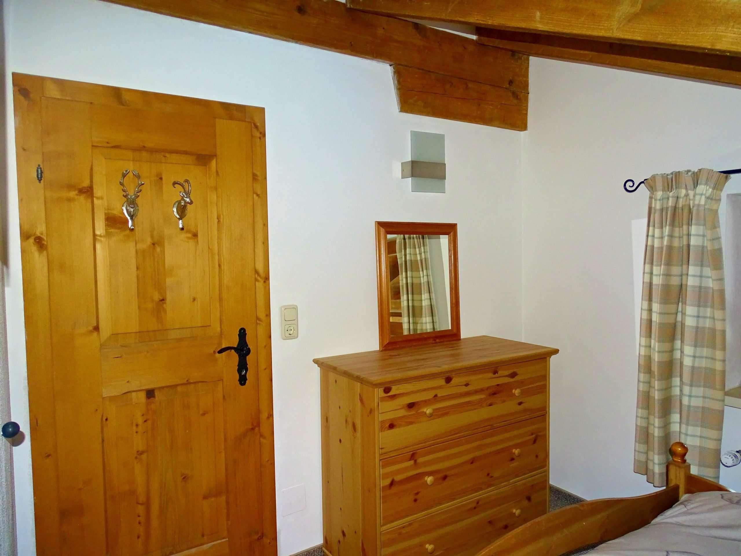 Selbhorn bedroom drawers Haus Schneeberg, Hochkoenig