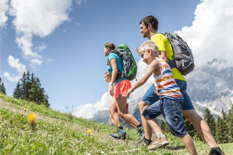 Family hiking, Hochkoenig
