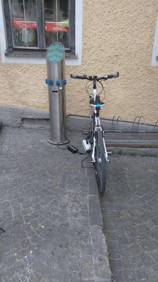 E bike charging station