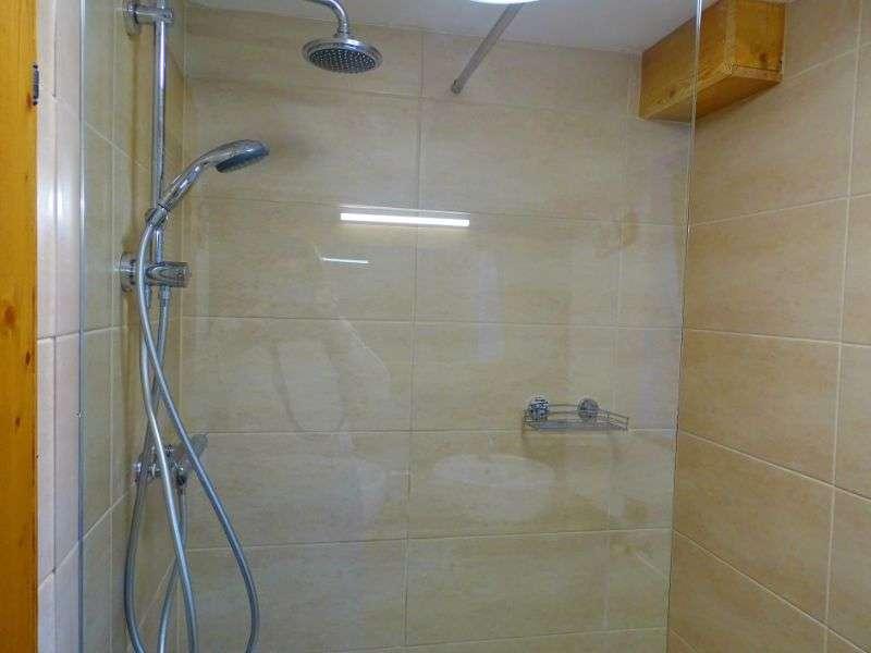 Aberg zuhany, Haus Schneeberg