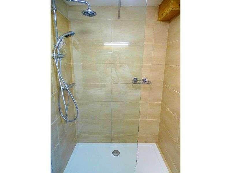 Aberg zuhanyportré, Haus Schneeberg