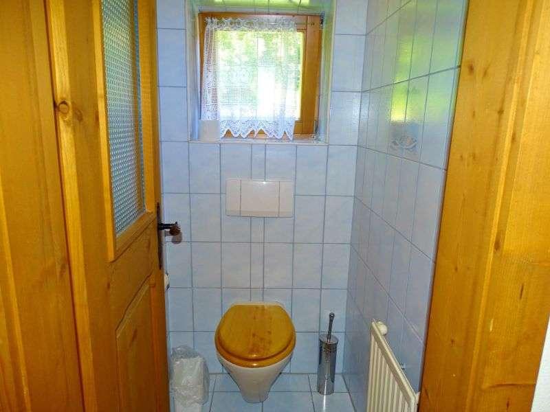 Aberg külön WC, Haus Schneeberg